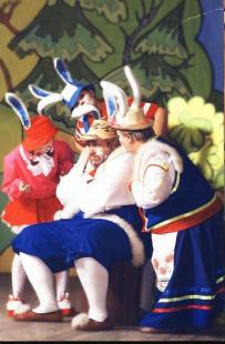 """Спектакль """"Зайка-Зазнайка"""" - старый заяц"""
